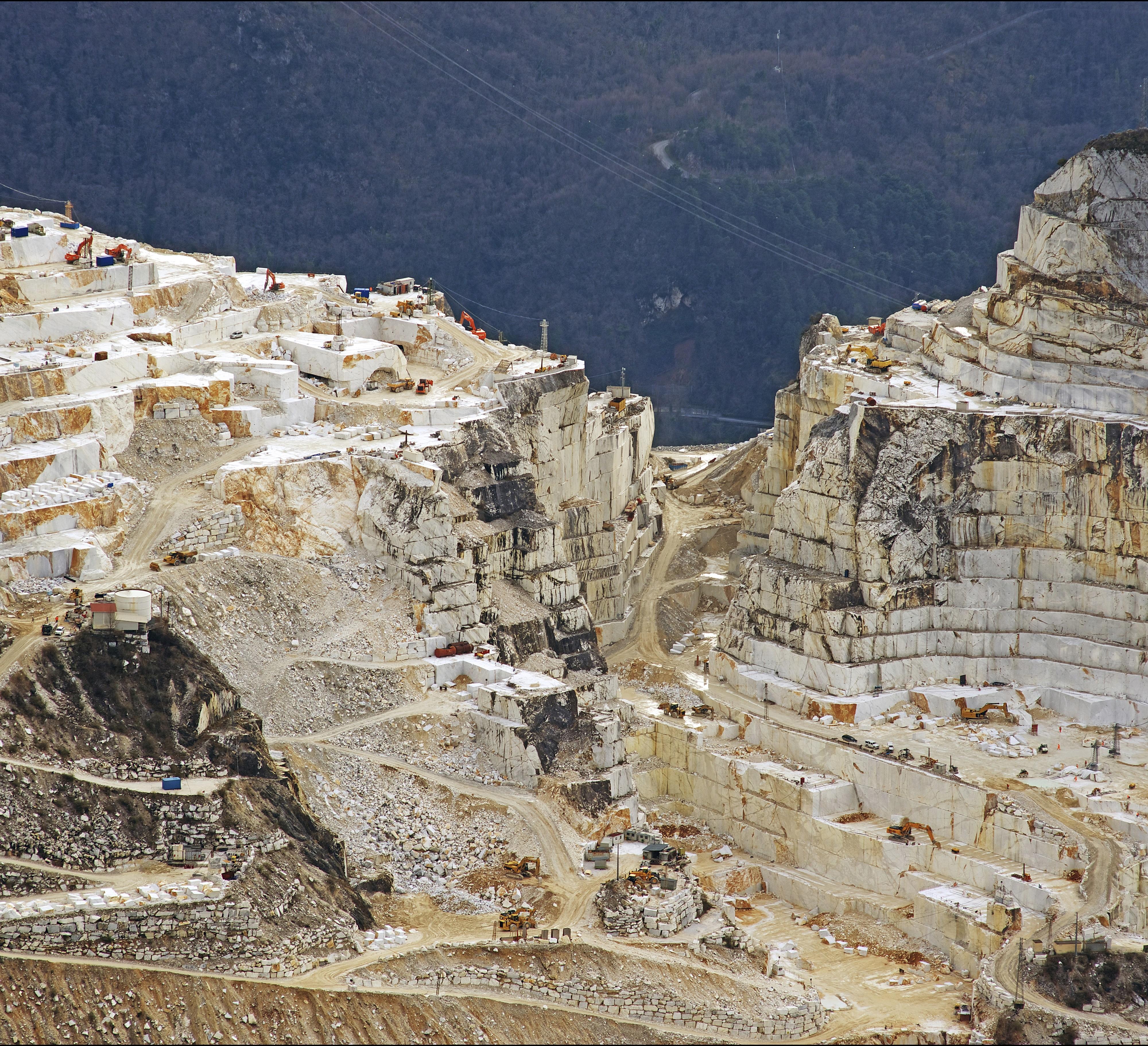 blackstone-background-quarry