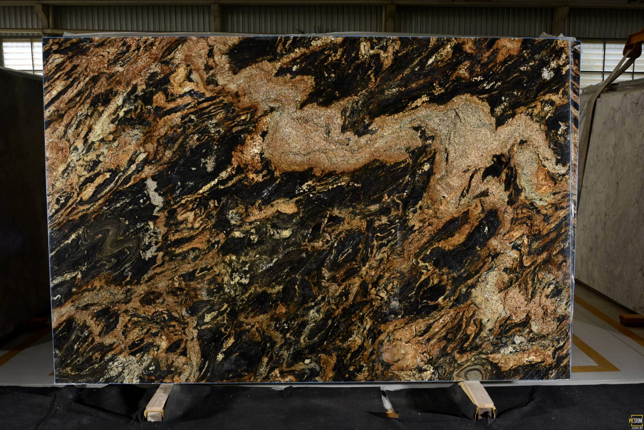 Granite Countertop Slab Size : Ottawa granite countertop slabs magma gold lava stone